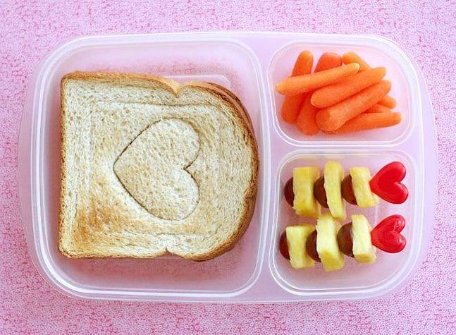 Cupcake Picks- photo from lisastorms.typepad.com