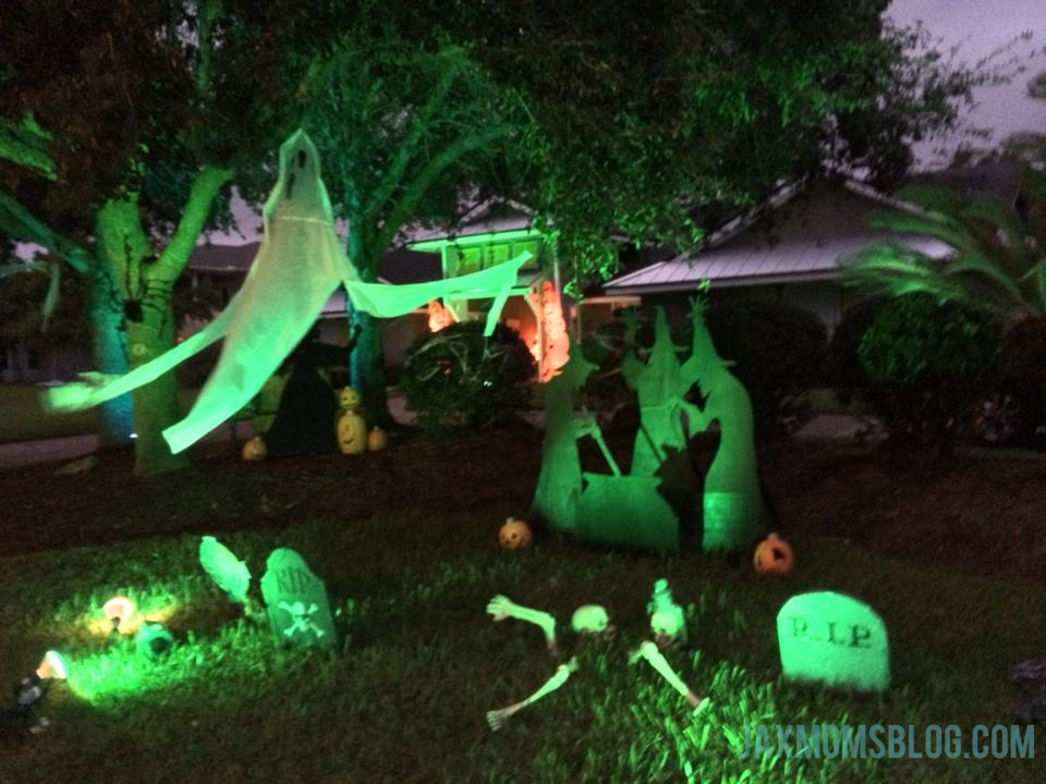 yard decor - When To Start Decorating For Halloween