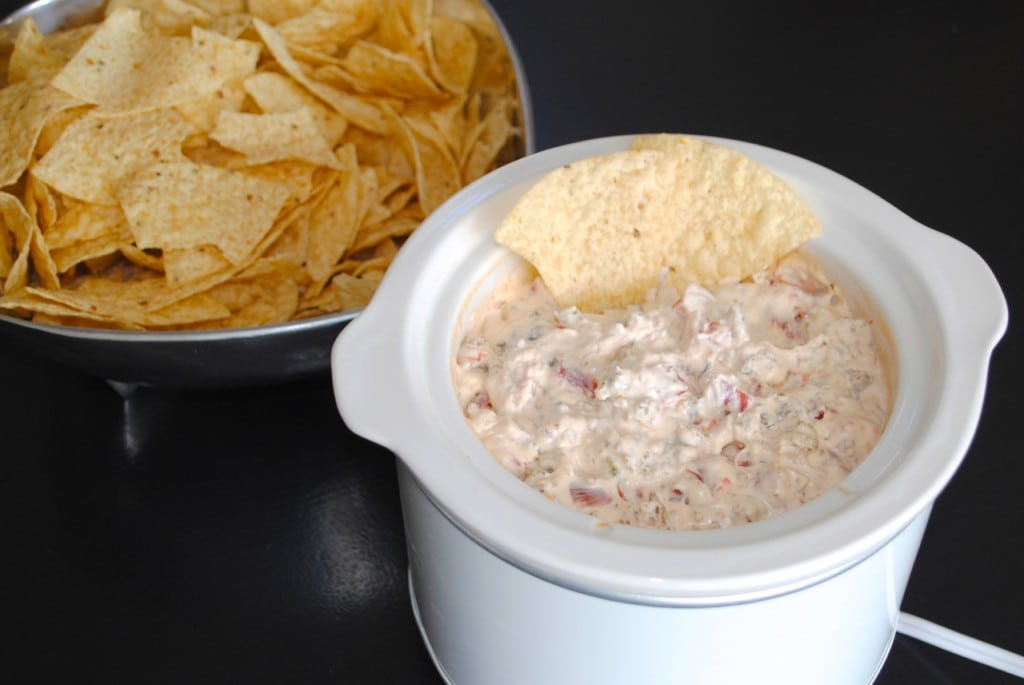 how to make velveeta cheese dip without rotel