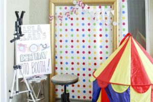 DIY Party Photo Booth: A Real Crowd Pleaser