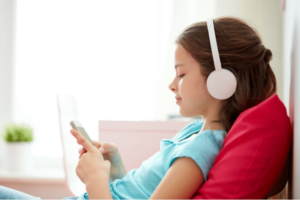 Mommy's Commute Companion: 15 Must-Hear Podcasts