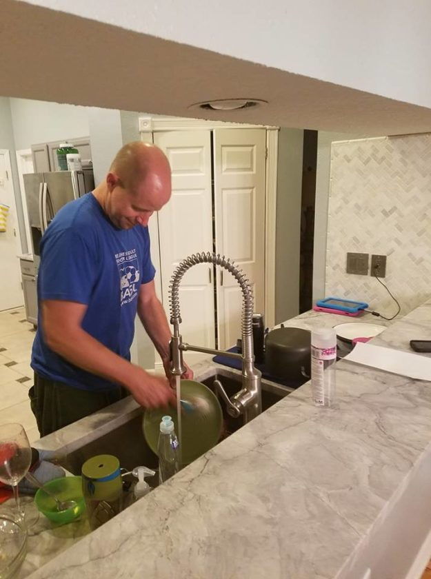 Dad-doing-dishes-2