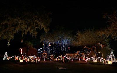 Cruising for Christmas Lights In & Around Jacksonville